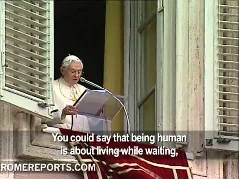 Pope explains real meaning of Advent during the Angelus prayer