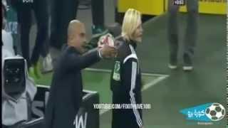 getlinkyoutube.com-Guardiola kadın hakeme elini atınca...