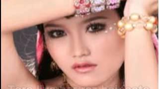 "getlinkyoutube.com-Tum Hi Ho With Lyric "" Cover Ayu Ting Ting """