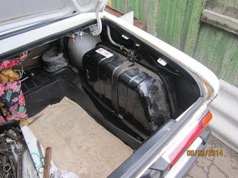 Бензобак ВАЗ 2106 снятие ремонт и установка. Воняет бензин возле топливного бака...