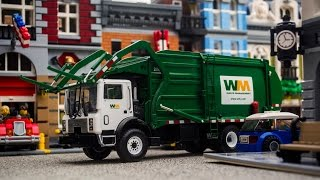 getlinkyoutube.com-Garbage Day...In Miniature! II