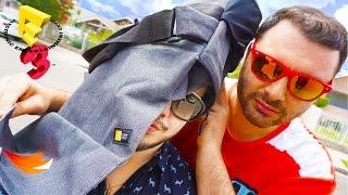 getlinkyoutube.com-E3 2015 YouTube Gaming Gift Bag Unboxing! - Stream Team House at E3 YouTube Gaming Swag