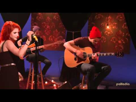 Paramore - That's what you get (Live Acoustic on MTV-Unplugged) HD