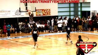 Game Dunk lors d'un match de basket au Hartford Pro