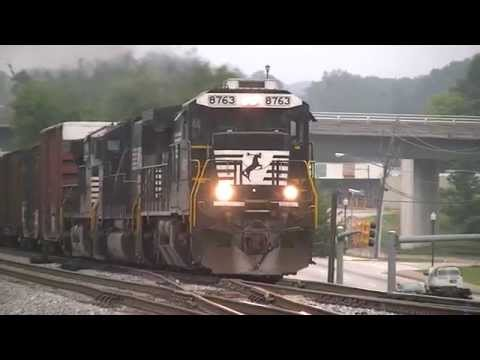 Norfolk Southern 335 Northbound Manifest Freight in Austell,Ga 07-20-2014©