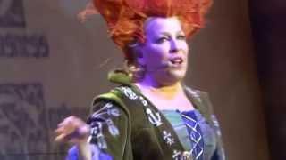 "getlinkyoutube.com-Bette Midler - ""I Put A Spell On You"" - 5-28-15 - Staples Center - Los Angeles, CA"