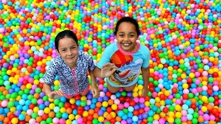 getlinkyoutube.com-Giant Ball Pit Pool Toy Challenge - Surprise Eggs - Mashems - Shopkins - Num Noms Prizes