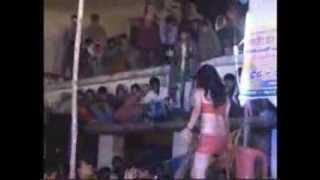 getlinkyoutube.com-Arkestra Dance Mukhiya g Man hoki t boli