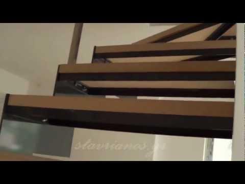 Μεταλλική σκάλα , κατοικία στον Άλιμο