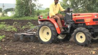 getlinkyoutube.com-Use 5 in 1 Multipurpose Cultivator with VST Shakti Tractor