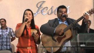 getlinkyoutube.com-Aline Lima e Clayton Queiroz  Louvando para  o SENHOR JESUS