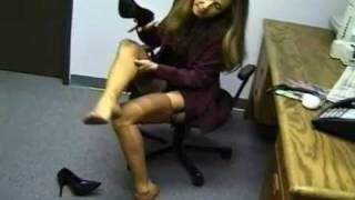 getlinkyoutube.com-Office Lady stocking toes