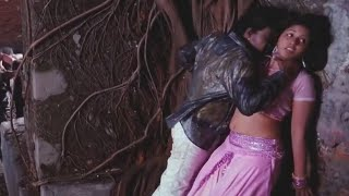 Mallu actress Anjali hot and sexy in movie scenes