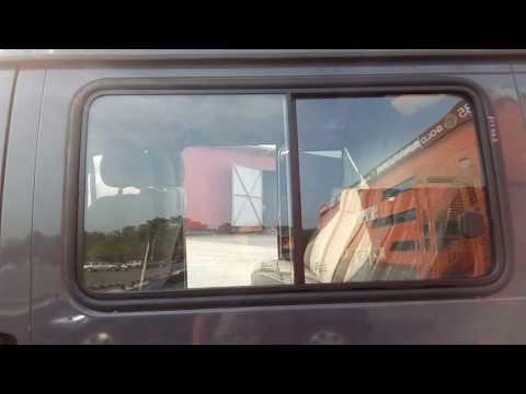 Замена бокового стёкла на автомобиле ГАЗ Соболь в компании Луидор.