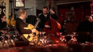 getlinkyoutube.com-Django53 Quartet - C Jam Blues @Aux Petits Joueurs - Octobre 2015