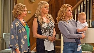 getlinkyoutube.com-First Pics From Fuller House Released & Cast Discusses Mary Kate & Ashley Olsen