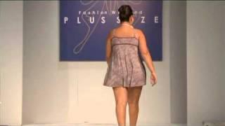 getlinkyoutube.com-Desfile Signorelli by Sizély - Fashion Weekend Plus Size - 3ª Edição
