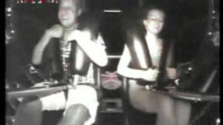 getlinkyoutube.com-Un gros orgasme dans un manège !!!