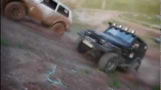 getlinkyoutube.com-Lada Niva VL-30 vs Jeep Wrangler