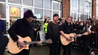 getlinkyoutube.com-5SOS She Looks So Perfect (Acoustic)