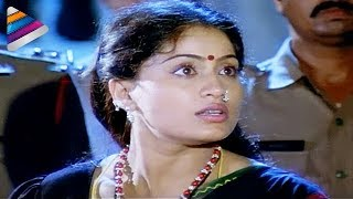 getlinkyoutube.com-Vijayashanthi rescuing the girl from a brothel - Mondi Mogudu Penki Pellam Scenes - Suman
