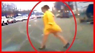 getlinkyoutube.com-【衝撃映像】【閲覧注意】【人身事故】人のショッキングな交通事故の衝撃瞬間映像2