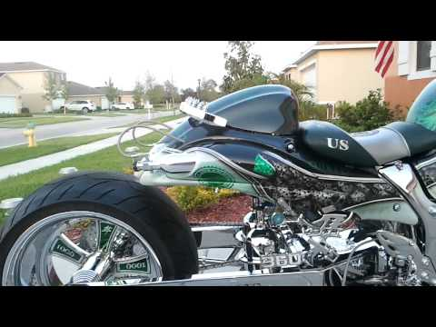 First Suzuki Hayabusa Controlled Via Bluetooth by Motorcycle Boutique (daytime)