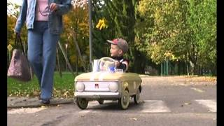 getlinkyoutube.com-pedal car moskvich 1977