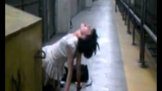 getlinkyoutube.com-possessed girl found in subway