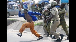 VIPIGO VYAENDELEA DAR..Walemavu,Wanawake wadhalilishwa huku Wanaume wakiporwa Pesa na Simu.