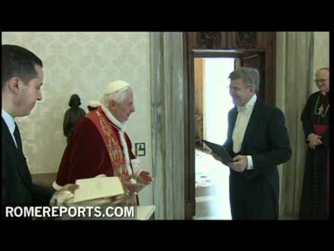 Papa recibe a Filip Vucak  nuevo embajador de Croacia ante el Vaticano