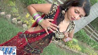 "getlinkyoutube.com-दवाई खाके चोली टाइट कइले बिया रे || Korwa Me Leke || Akarsh Raj ""Golu"" || Bhojpuri Hot Songs 2015"