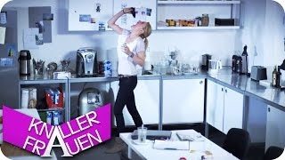 getlinkyoutube.com-Latte Macchiato - Knallerfrauen mit Martina Hill