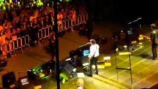 getlinkyoutube.com-Another Girl - Paul McCartney Live in Budokan ポール・マッカートニー 日本武道館