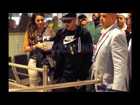 Neymar desembarca na Espanha com a namorada Bruna Marquezine chegou em Barcelona