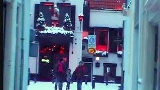 getlinkyoutube.com-Haarlem's (snowy) Red Light District