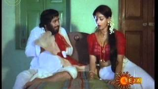 getlinkyoutube.com-Boom Boom Hot Dhamaka videos from Indian Movies- (97)