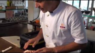 getlinkyoutube.com-Culinária Japonesa - Aprenda como fazer sashimi de polvo bem macio