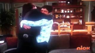 getlinkyoutube.com-Drake And Josh Kiss!!! :O