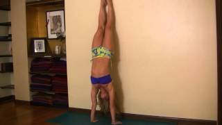 getlinkyoutube.com-Learn the Yoga Handstand Press with the Wall