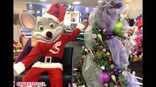 getlinkyoutube.com-Vive la Magia de Chuck E. Christmas