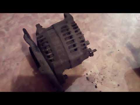 Как снять генератор CEDRIC Y33 VG20E