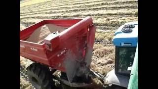 getlinkyoutube.com-Valtra Valmet 985 atolado com o queixo enterrado no barro = SLC 6200 puxando.