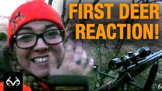 getlinkyoutube.com-Deer Hunting: Woman Has Great Reaction to Killing Her First Deer