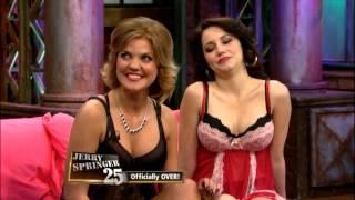 getlinkyoutube.com-Pillow Fight!!! (The Jerry Springer Show)