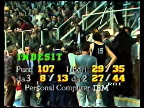 Sylvester vs Davis 1985 (la scazzottata) Scavolini Pesaro - Indesit Caserta