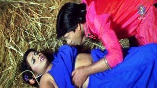 getlinkyoutube.com-Lagadi Choli Ke Hook Rajaji | Hot Bhojpuri Movie Song