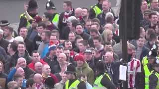 getlinkyoutube.com-Geordies V Mackems Battle Before Newcastle 0-3 Sunderland 1st Feb 2014