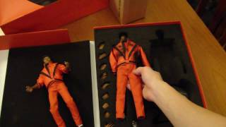 getlinkyoutube.com-Michael Jackson THRILLER FIGURE UNBOXING - Brand New MJ Collectables - Hot Toys Hong Kong Japan