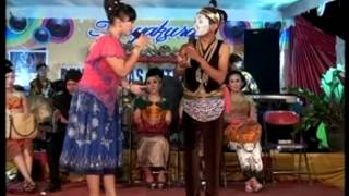 getlinkyoutube.com-Gayeng,lucu,kocak,Selingkuh,Campursari Tokek Sekar Mayank (call:+628122598859)